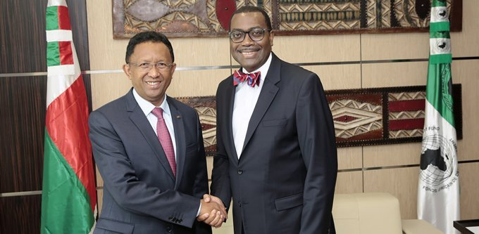 The President of the Republic of Madagascar, Hery Rajaonarimampianina, and the President of the African Development Bank (AfDB), Akinwumi Adesina