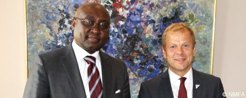 AfDB President Donald Kaberuka and the Norwegian Minister of International Development, Mr Heikki Eidsvoll Holmås, meeting in Oslo on 29 August 2013