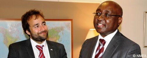 AfDB President Donald Kaberuka and State Secretary Arvinn Gadgil in the Norwegian Ministry of Foreign Affairs in Oslo on 29 August 2013