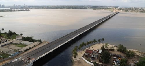 Opened in 2014, the new bridge changes the daily life of thousands of Ivorians. The bridge is the largest private infrastructure project in Côte d'Ivoire in over a decade.