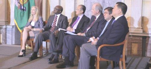 AfDB President Donald Kaberuka; Jim Kim, President of the WB; Carlos Sere, Vice-President of the IFAD; Luis Albert Moreno, President of the IADB; and Xiaoyo Zhao, Vice-President of the ADB, at the 2013 US Treasury Development Impact Awards in Washington