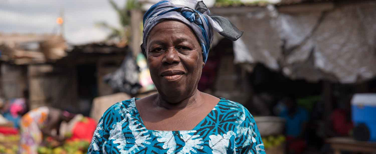 """In Ghana, improved, sustainable sanitation helps a """"Queen Mother of Oranges"""" reign supreme in her heavily populated community market"""