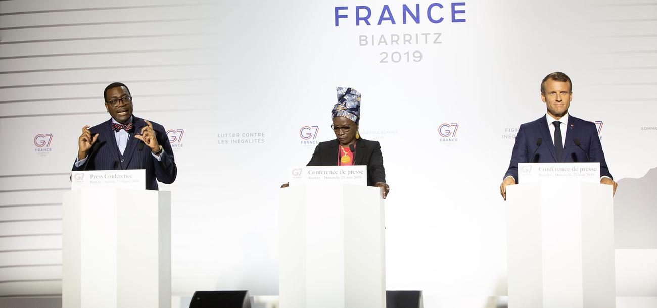 Calendrier Macron 2019.Sommet Du G7 Le President Macron Et Les Chefs D Etat Du G7